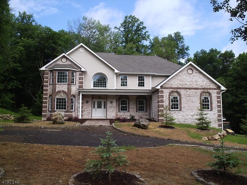 Single Family Homes por un Venta en Andover, Nueva Jersey 07821 Estados Unidos