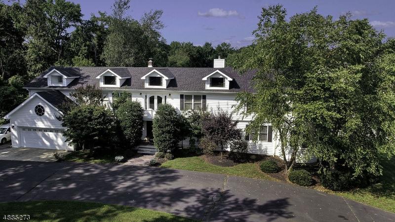 Single Family Homes 为 销售 在 沃尔, 新泽西州 07727 美国