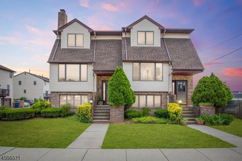 公寓 / 联排别墅 为 销售 在 Clark, 新泽西州 07066 美国