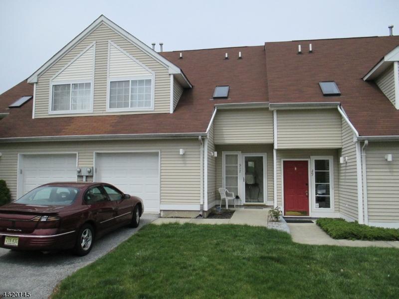Casa Unifamiliar por un Venta en 312 FALCON RIDGE WAY south Hamburg, Nueva Jersey 07419 Estados Unidos