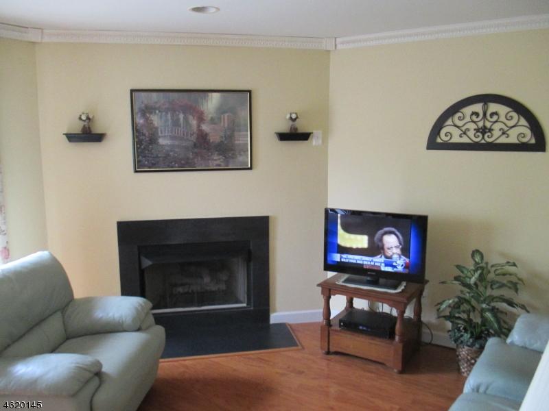 Additional photo for property listing at 312 FALCON RIDGE WAY south  Hamburg, Нью-Джерси 07419 Соединенные Штаты