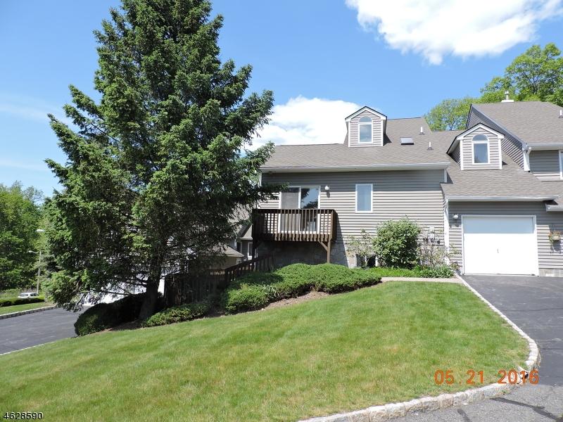 Casa Unifamiliar por un Venta en 29 Bayowski Road West Orange, Nueva Jersey 07052 Estados Unidos