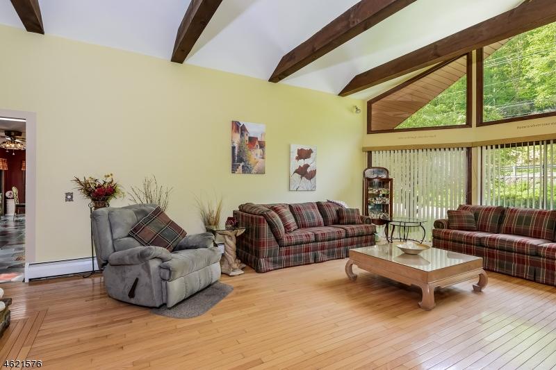 Additional photo for property listing at 5 Main Street  Glen Gardner, 新泽西州 08826 美国