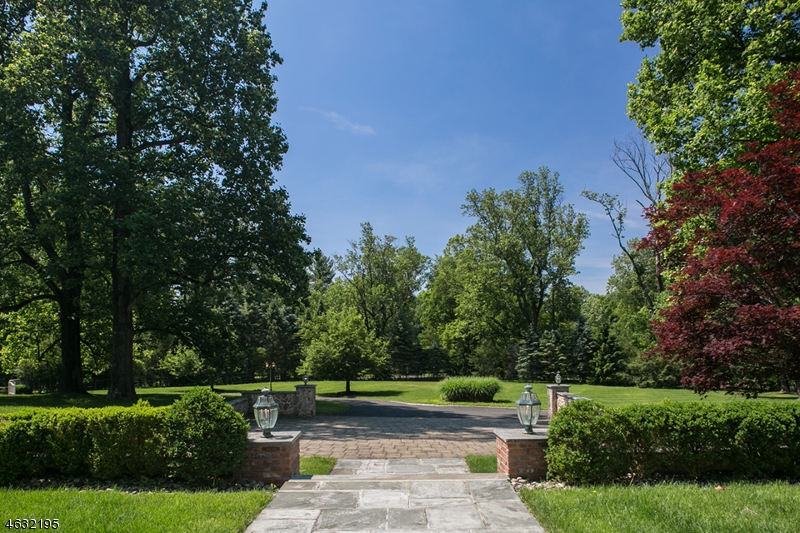 Additional photo for property listing at 141 Dryden Road  Bernardsville, New Jersey 07924 États-Unis