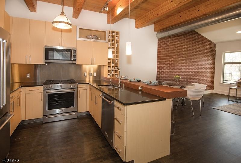 Additional photo for property listing at 25 Clark St, UNIT 201  Glen Ridge, Нью-Джерси 07028 Соединенные Штаты