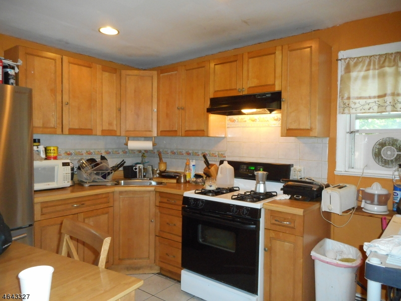 Additional photo for property listing at Address Not Available  Garfield, Nueva Jersey 07026 Estados Unidos