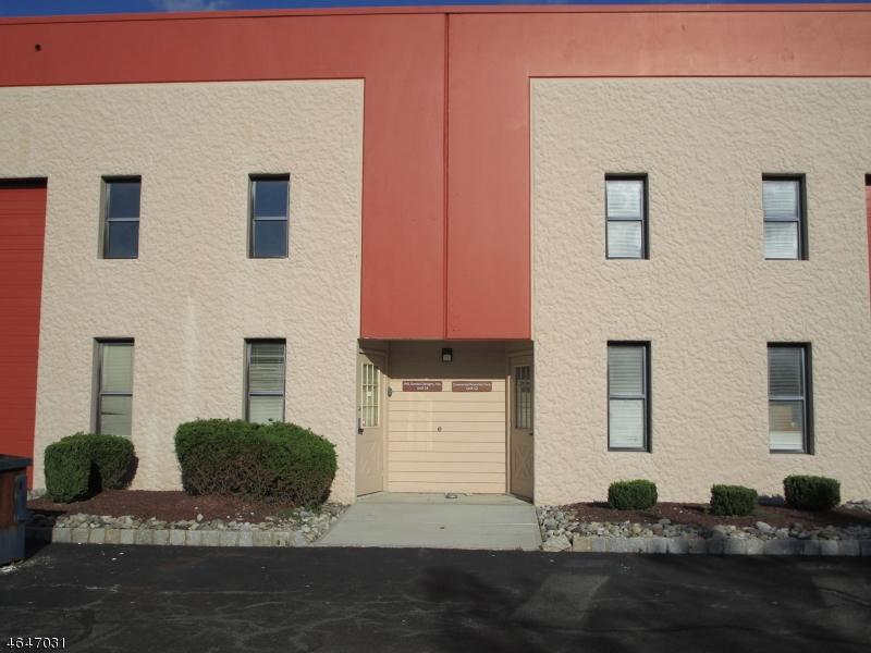 Additional photo for property listing at 15 Ilene Court  Hillsborough, Нью-Джерси 08844 Соединенные Штаты