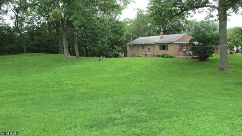 Additional photo for property listing at 2 Higginsville Road  Neshanic Station, Nueva Jersey 08853 Estados Unidos