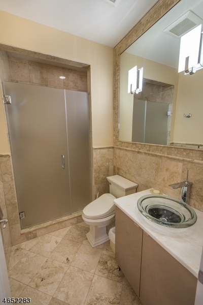 Additional photo for property listing at 304 Metzger Drive  West Orange, New Jersey 07052 United States