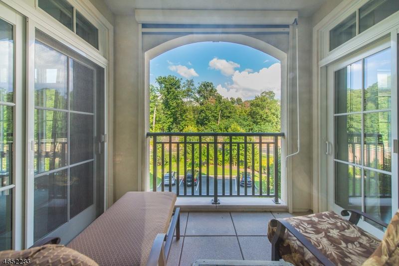 Additional photo for property listing at 304 Metzger Drive  West Orange, Нью-Джерси 07052 Соединенные Штаты