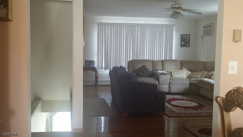 Additional photo for property listing at 410 River Road  North Arlington, New Jersey 07031 États-Unis
