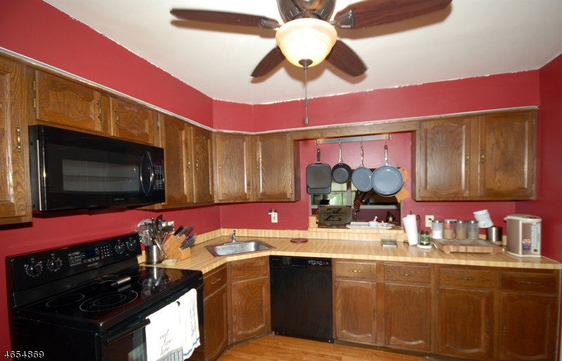 Additional photo for property listing at 113 Franklin Court  Flemington, New Jersey 08822 États-Unis