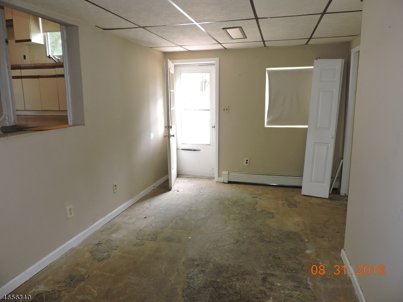 Additional photo for property listing at 42 North Street  Bound Brook, Нью-Джерси 08805 Соединенные Штаты