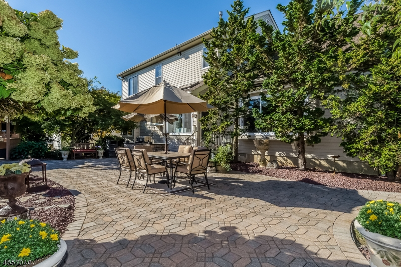 Additional photo for property listing at 1907 Lincoln Drive  Stewartsville, Nueva Jersey 08886 Estados Unidos