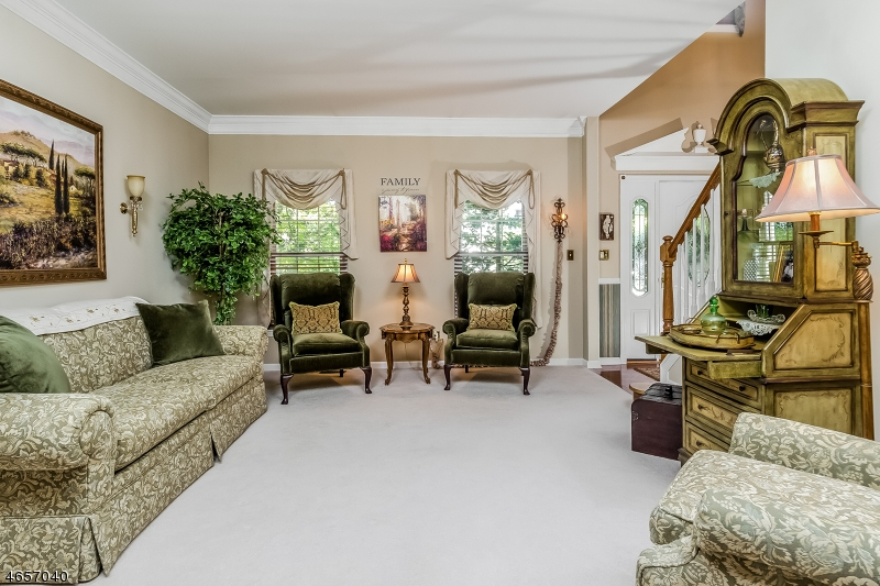 Additional photo for property listing at 1907 Lincoln Drive  Stewartsville, New Jersey 08886 États-Unis