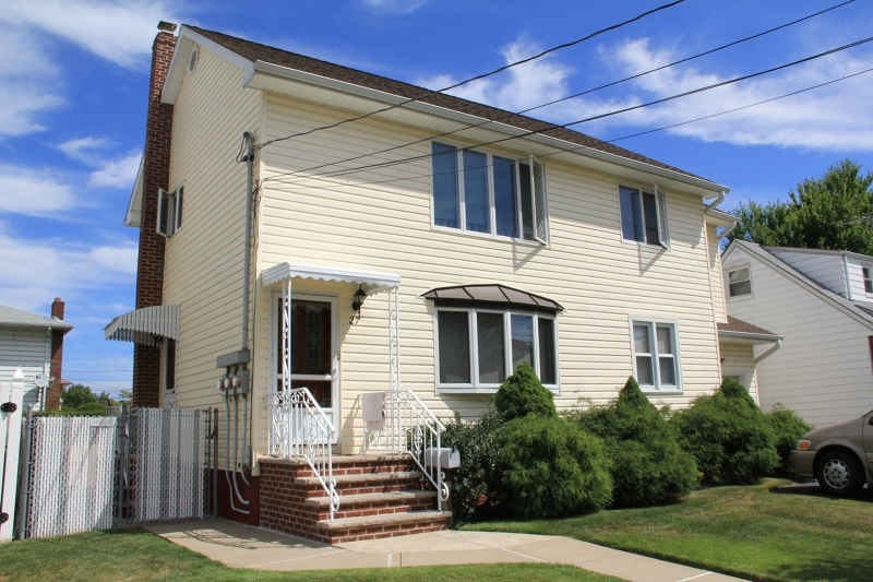 Single Family Home for Rent at 27 Spruce Street Elmwood Park, New Jersey 07407 United States