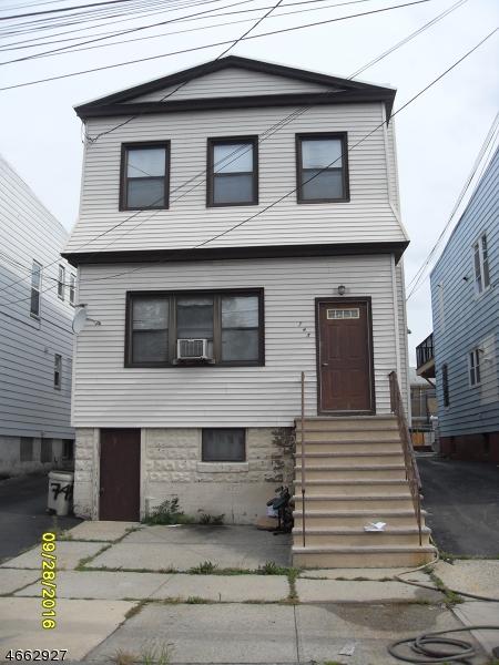 多户住宅 为 销售 在 745 N 8th Street 纽瓦克市, 新泽西州 07107 美国
