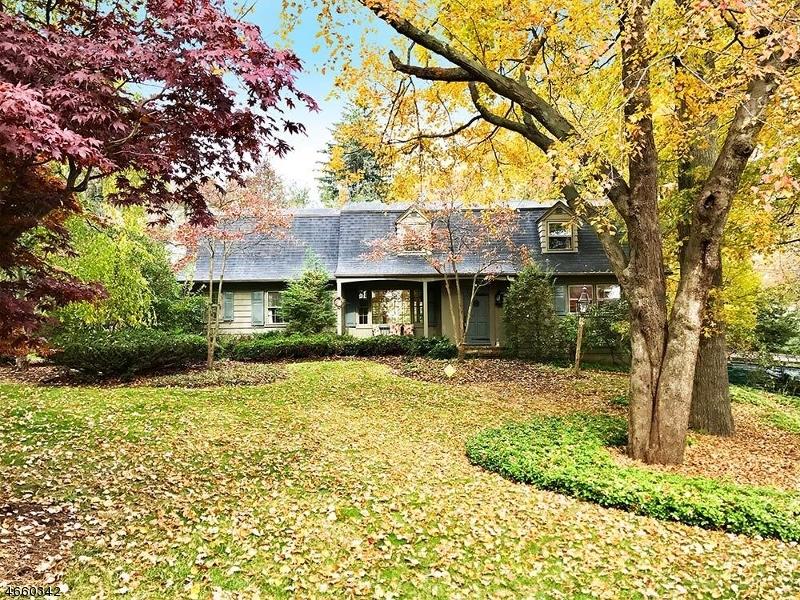 Casa Unifamiliar por un Alquiler en 731 Birchwood Drive Wyckoff, Nueva Jersey 07481 Estados Unidos