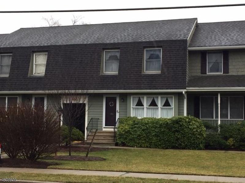 独户住宅 为 销售 在 134 Lincoln Park Road Pequannock, 07440 美国