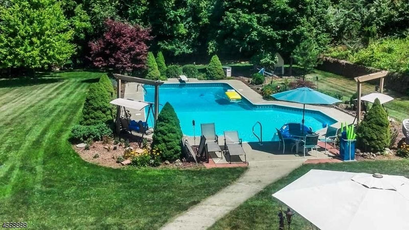 独户住宅 为 销售 在 17 Endicott Drive Great Meadows, 新泽西州 07838 美国
