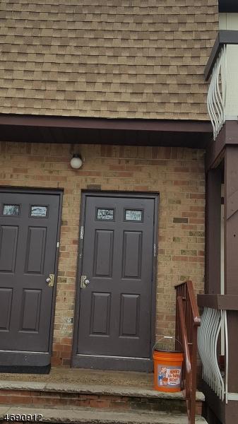 Casa Unifamiliar por un Alquiler en 912 N Oaks Blvd North Brunswick, Nueva Jersey 08902 Estados Unidos