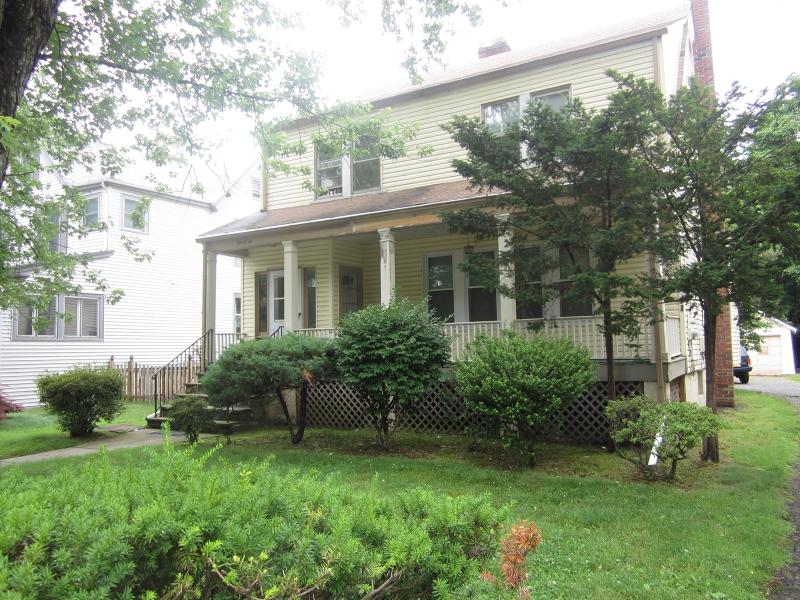 Maison unifamiliale pour l à louer à 22 Berkeley Pl, 1 Fl Cranford, New Jersey 07016 États-Unis