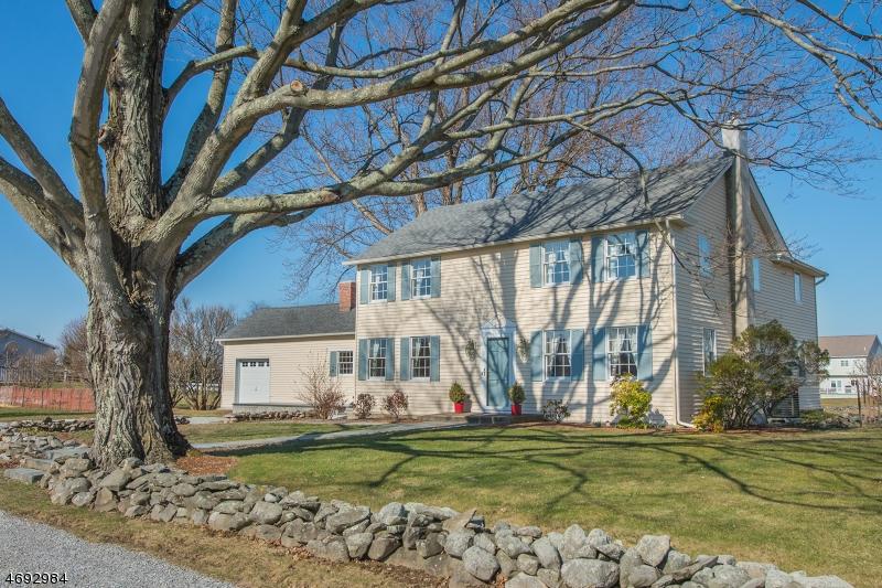 Частный односемейный дом для того Продажа на 19 Lantz Road Lafayette, 07848 Соединенные Штаты