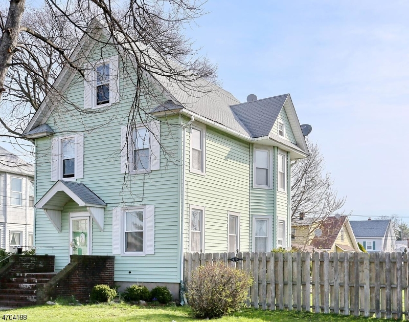 Single Family Home for Sale at 93 Rosemont Avenue Elmwood Park, 07407 United States