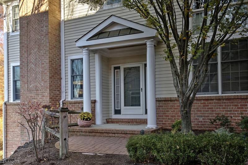 独户住宅 为 销售 在 19 Hurlingham Club Road 法菲尔斯, 07931 美国