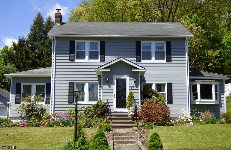 Single Family Home for Sale at 10 Musconetcong Avenue Stanhope, New Jersey 07874 United States