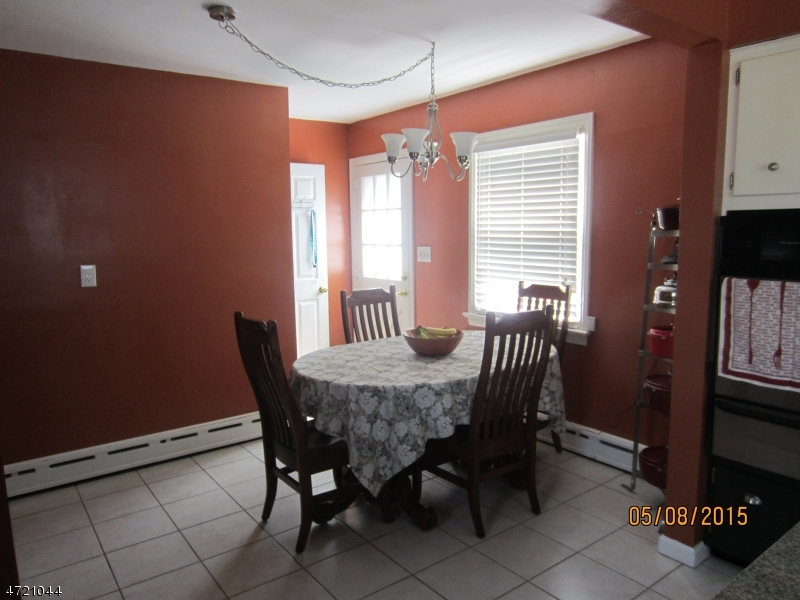 Additional photo for property listing at 109 Elizabeth Place  Totowa Boro, New Jersey 07512 Usa