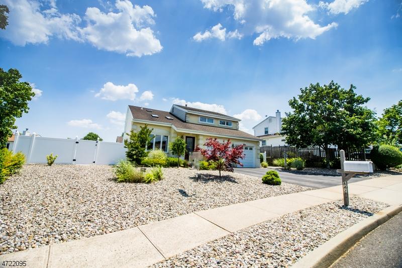 Einfamilienhaus für Verkauf beim 842 Pioneer Drive Brick Township, New Jersey 08724 Vereinigte Staaten