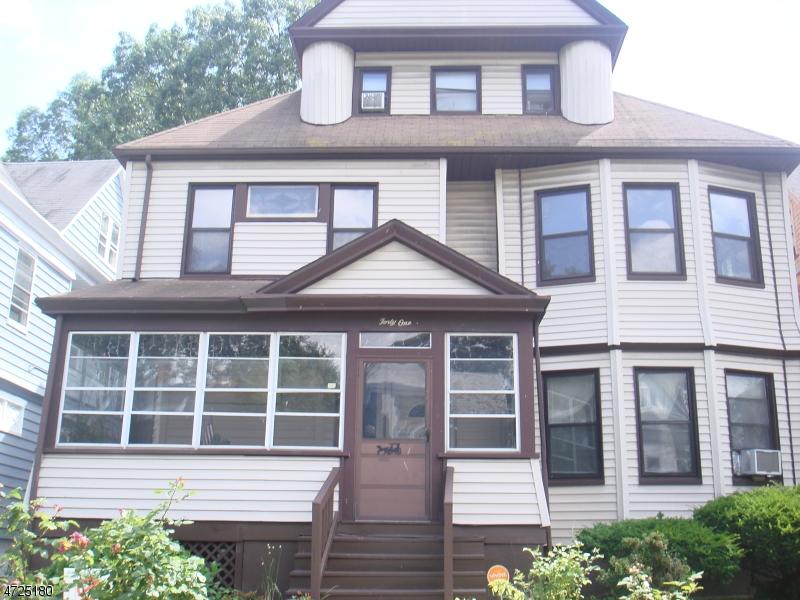 Maison unifamiliale pour l à louer à Address Not Available East Orange, New Jersey 07018 États-Unis
