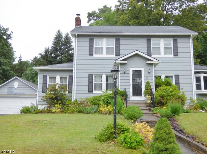 Casa Unifamiliar por un Venta en 10 Musconetcong Avenue Stanhope, Nueva Jersey 07874 Estados Unidos