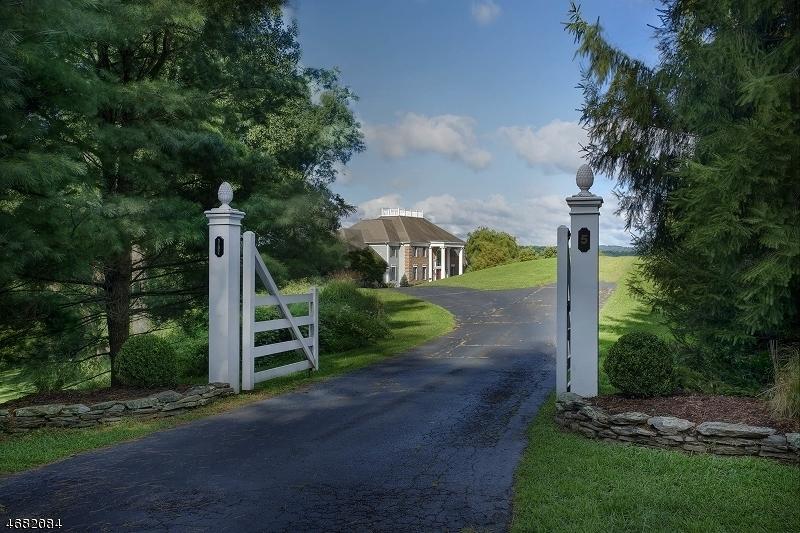 Частный односемейный дом для того Продажа на 5 Sheephill Drive Peapack Gladstone, 07934 Соединенные Штаты
