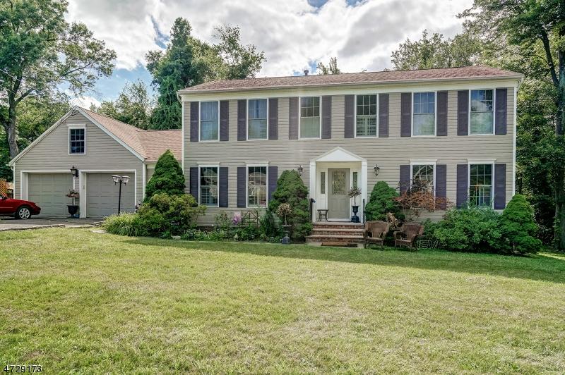 独户住宅 为 销售 在 24 Norwood Road 东汉诺威, 新泽西州 07936 美国