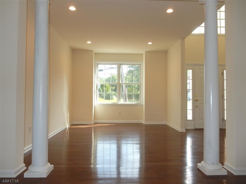 Additional photo for property listing at 481 Madison Hill Road 481 Madison Hill Road Clark, New Jersey 07066 United States