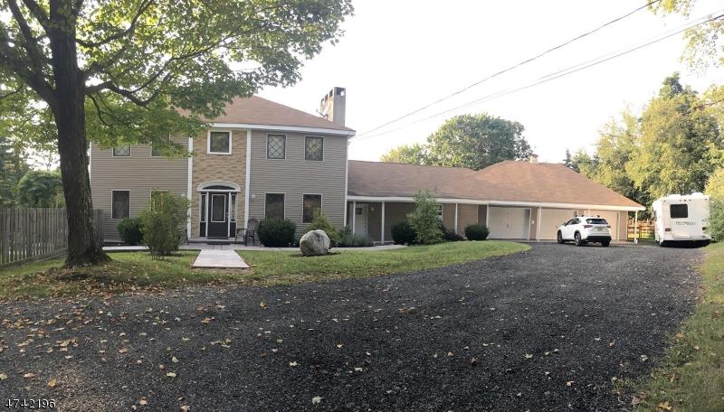 Частный односемейный дом для того Продажа на 70 Van Horn Road Fredon, Нью-Джерси 07860 Соединенные Штаты