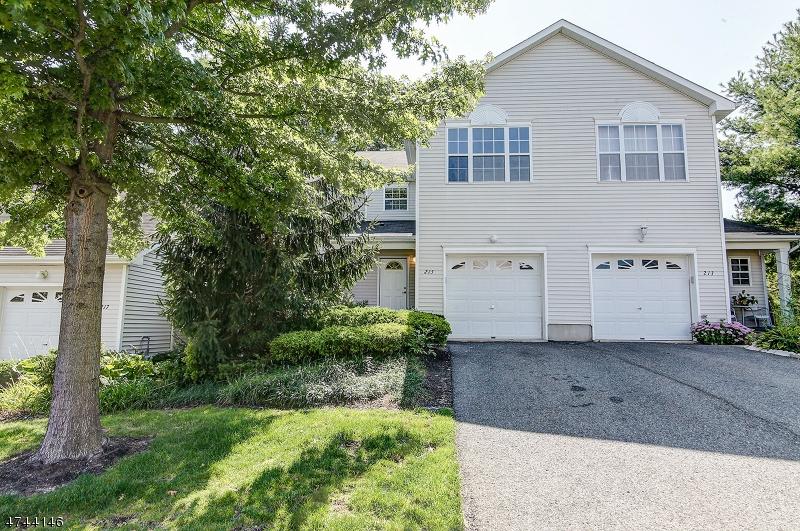 Casa Unifamiliar por un Venta en 215 Frankfort Ave , Neptune, Nueva Jersey 07753 Estados Unidos