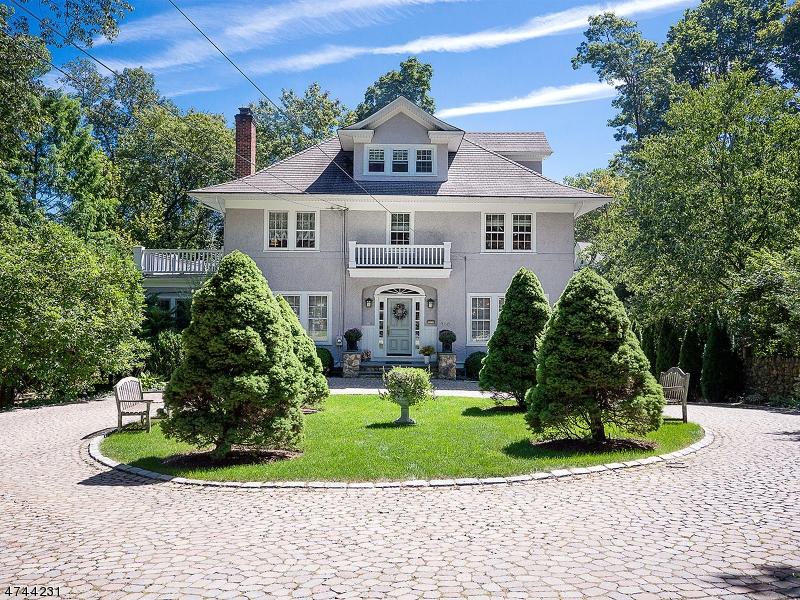 独户住宅 为 销售 在 300 Morris Avenue Mountain Lakes, 新泽西州 07046 美国