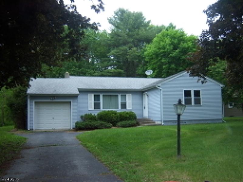 Einfamilienhaus für Verkauf beim 24 Fredon Road Andover Township, New Jersey 07860 Vereinigte Staaten
