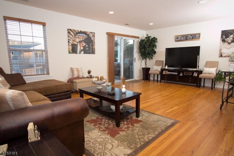 Casa Unifamiliar por un Alquiler en 182 Vista Drive Cedar Knolls, Nueva Jersey 07927 Estados Unidos