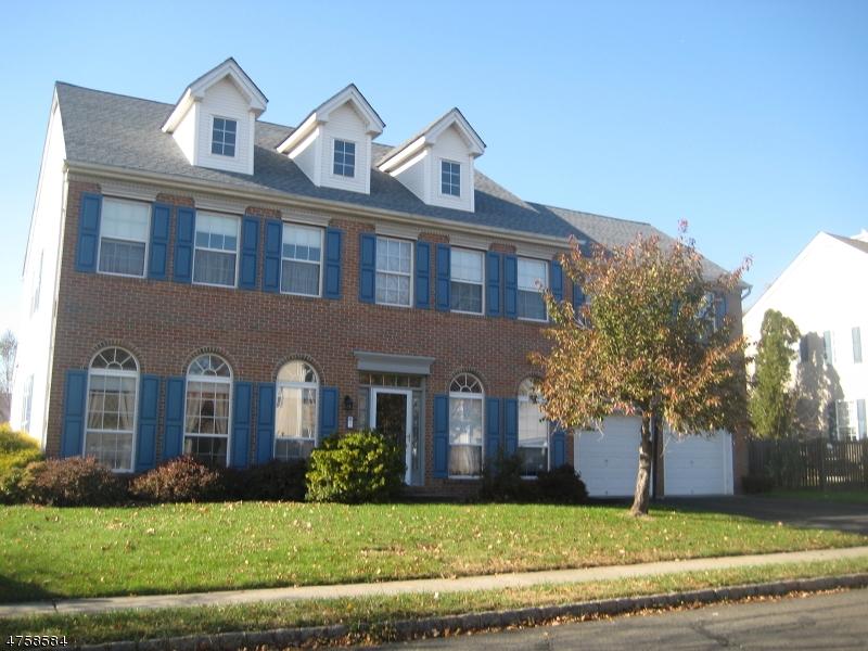 Nhà ở một gia đình vì Bán tại 7 Carlisle Road Branchburg, New Jersey 08876 Hoa Kỳ