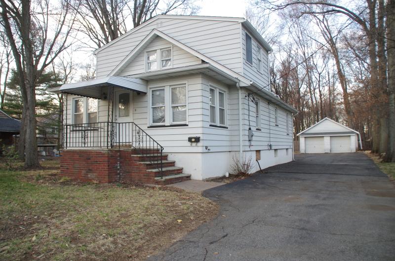 Частный односемейный дом для того Аренда на 38 Madison Street Pequannock, Нью-Джерси 07440 Соединенные Штаты