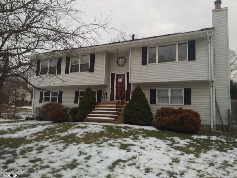 独户住宅 为 销售 在 469 COUNTY ROAD 519 Greenwich, 新泽西州 08886 美国