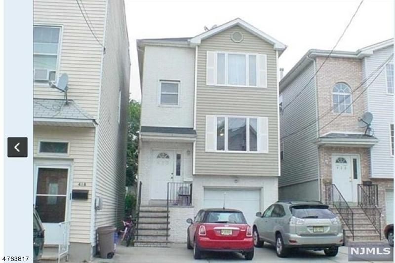 独户住宅 为 出租 在 420 Hamilton Street Harrison, 新泽西州 07029 美国
