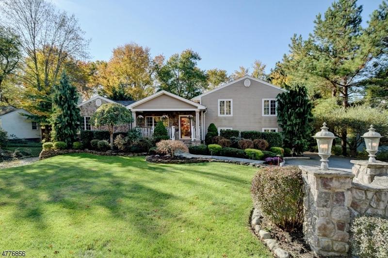 Частный односемейный дом для того Продажа на 12 E Madison Avenue Florham Park, Нью-Джерси 07932 Соединенные Штаты