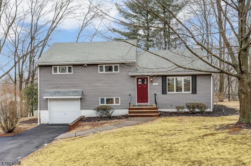 Maison unifamiliale pour l Vente à 12 Apple Tree Lane 12 Apple Tree Lane Morris Plains, New Jersey 07950 États-Unis