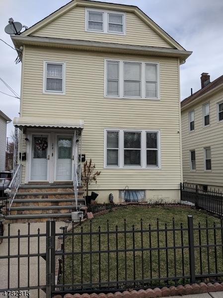 Casa Unifamiliar por un Alquiler en 24 Onyx Court Passaic, Nueva Jersey 07055 Estados Unidos