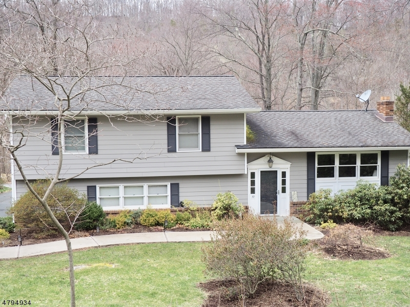 Einfamilienhaus für Verkauf beim 39 Penn Avenue Andover, New Jersey 07860 Vereinigte Staaten